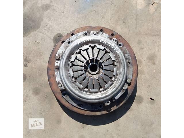 бу Cцеплениe для Nissan Vanette 2.3 D в Ковеле
