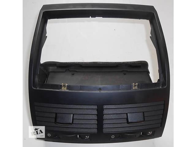 Дефлектор центральный Volkswagen Touareg Фольксваген Туарег 2003г-2009г- объявление о продаже  в Ровно