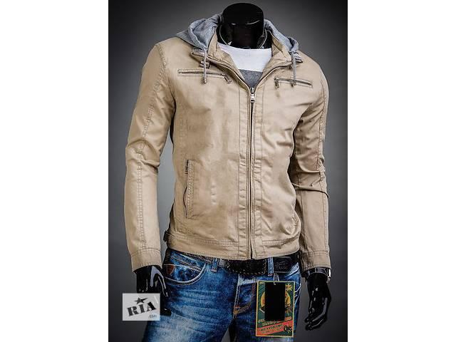 бу Демисезонная бежевая куртка с капюшоном в Черкассах