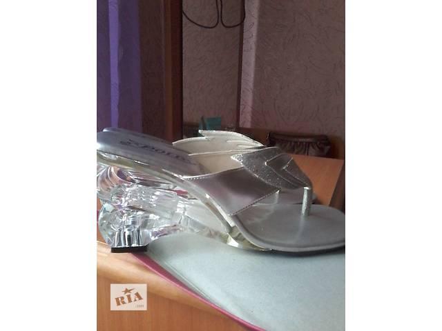 продам Шикарные  босоножки бу в Покровске (Красноармейск)