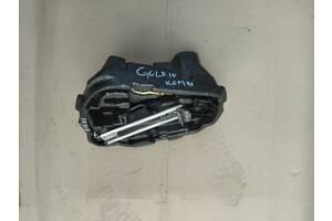 домкрат комплект ключ колісний фольксваген гольф сеат  Вживаний деталі кузова (Загальне) для Volkswagen Golf IV 2000