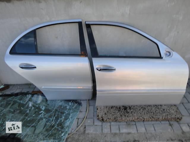 бу  Дверь передняя для легкового авто Mercedes E-Class  211 в Ровно