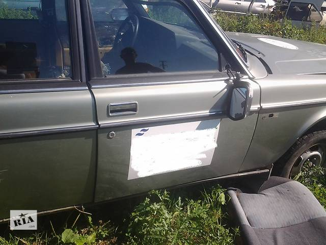 бу  Дверь передняя для легкового авто Volvo 240 в Ужгороде