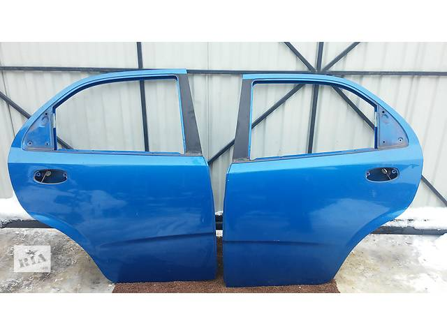 купить бу Дверь задняя для легкового авто Chevrolet Aveo Т200 (седан) в Тернополе