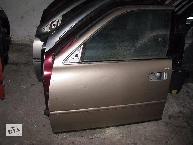 купить бу Дверь передняя Toyota Camry 1995 в Львове