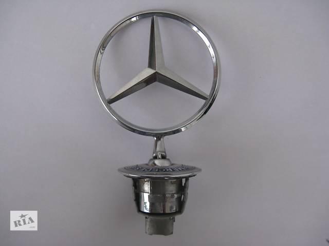 купить бу Емблема оригінал 2218800086 передня на капот для Mercedes C,E,S класу в Львове
