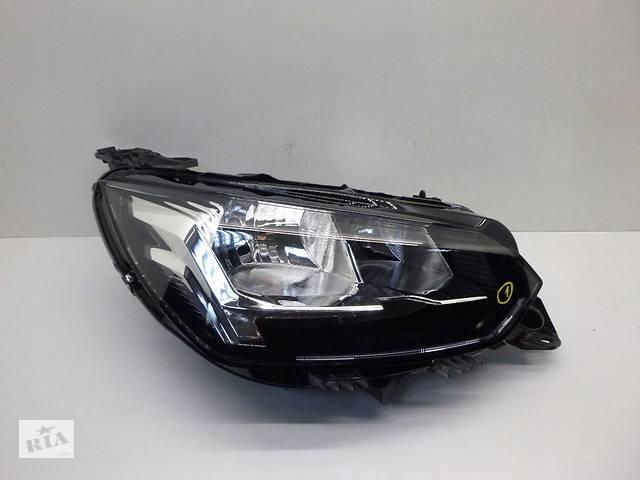бу Фара для Peugeot 208 2012-2020 в Киеве