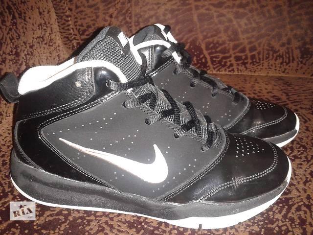 бу Фірмові кросівки NIKE 34 розмір по стельці 21.5 шкіра стан ідеальний в  Самборі 16c75d221498e