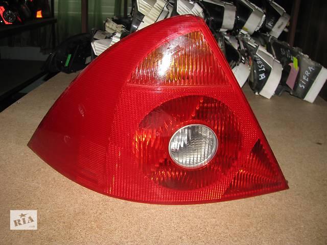 купить бу фонарь задний для хэтчбека Ford Mondeo 2002-05 в Львове