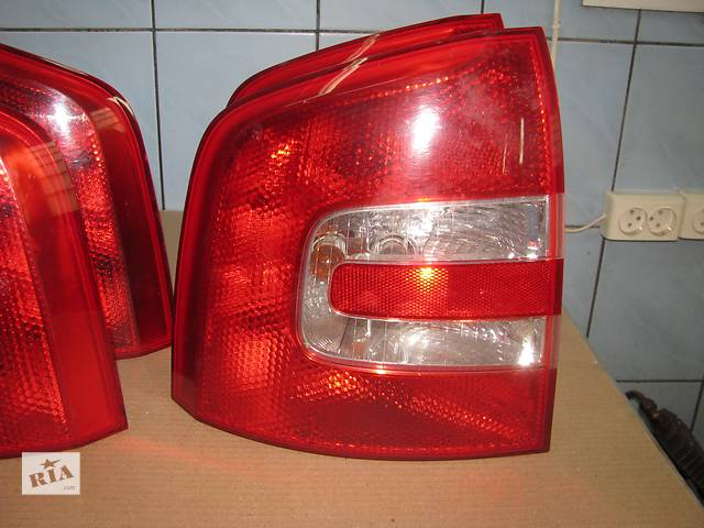 купить бу фонарь задний для универсала Skoda Octavia A5 2004-08 в Львове
