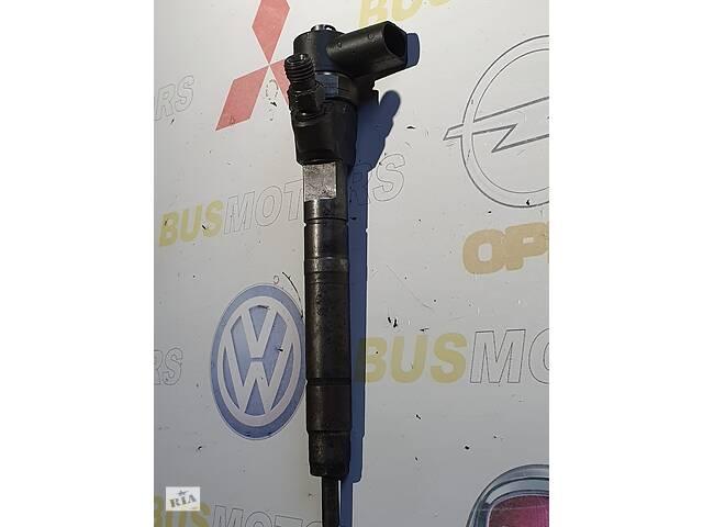 купить бу Форсунка дизельная электронная Mercedes Vito W638 (1996-2003) 2.2 cdi, 2.2 cdi - 6110701187, 0445110055 в Коломые