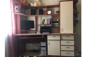 б/в Офісні меблі