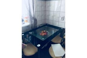 б/в Кухонні столи скляні