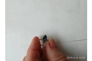 б/в Каблучки з натуральним камінням