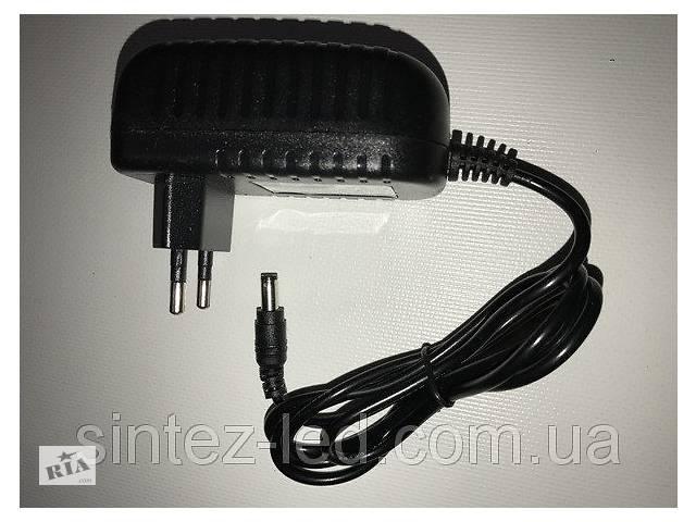продам Блок живлення розетковий Ledmax PSP-10-5 5В 10Вт 2А IP20 Код.58838 бу в Києві
