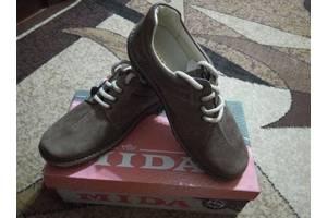 Нові Чоловічі туфлі Mida