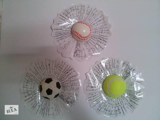 продам Наклейка на авто Мячик в окне наклейка прикол бу в Борисполе