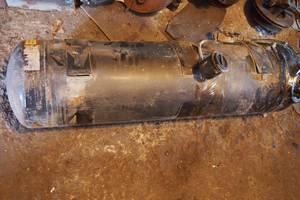Баллон пропан бутан внешнее крепление под кузовом производитель англия на 84літра размер 130смх30см цилиндр