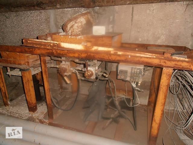 продам Продаем станок для изготовления шлакоблоков, 2001 г.в. бу в Киеве