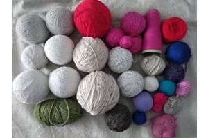 Нитки для вязанья -3 кг 500гр за все 300гр