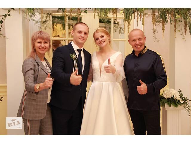 Ведущая свадьбы в Виннице Руслана Магденко