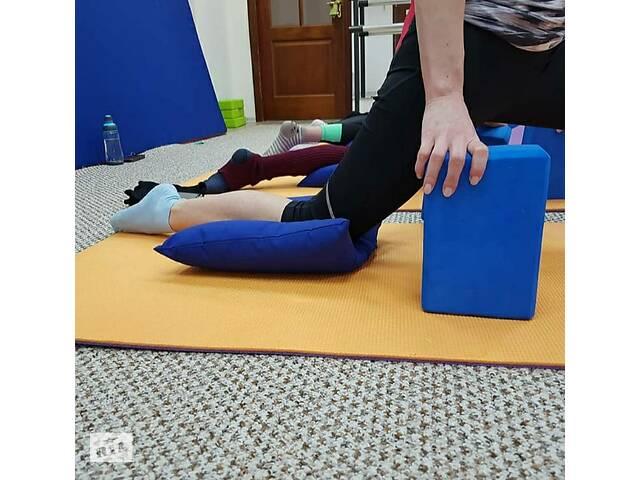 продам Подушки для розтяжки під ногу, під коліно для художньої гімнастики бу в Харкові