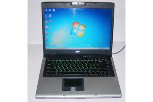 Ноутбук  рабочий !!! 3Гг оперативной, 120Гг диск,камера.