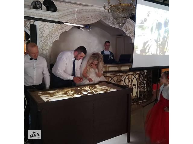 бу Малювання золотим піском портретів на весіллі  в Україні