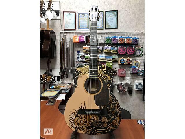 купить бу (4257) Гітара з Росписью Лев (Lion) Нові Колки та Струни в Киеве