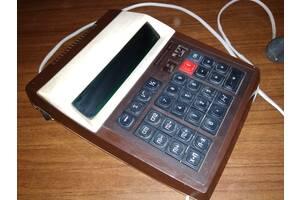 Калькулятор Электроника МК-44 , рабочий.