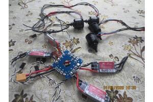 Мотори SunnySky X2212 і регулятори ZTW Spider квадрокоптера