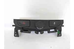 кнопка аварийного стопа  Chevrolet Malibu `14-16 , 23191937