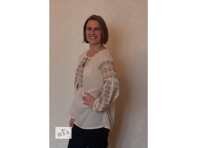 бу Комфортная блузка с оригинальной вышивкой в Киеве