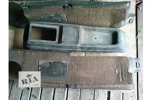 б/у Центральные консоли Volkswagen Passat B2