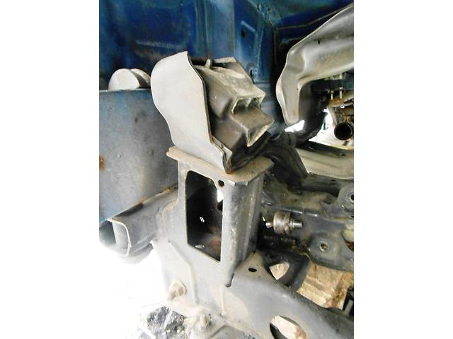 Крепление двигателя Mercedes Sprinter 906, 903 (215, 313, 315, 415, 218, 318, 418, 518) 1996-2012- объявление о продаже  в Ровно
