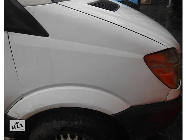 купить бу Крыло переднее, крило переднє Mercedes Sprinter 906 2.2 3.0 Мерседес  Спринтер (2006-2014гг) ОМ 646, 651, 642 в Ровно