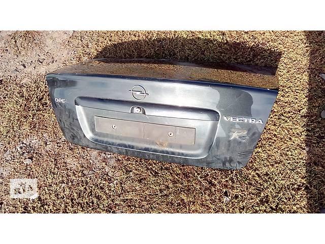 купить бу крышка багажника для седана Opel Vectra B 1997 в Львове