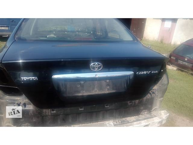 продам крышка багажника для седана Toyota Camry 30 2002-05 бу в Львове
