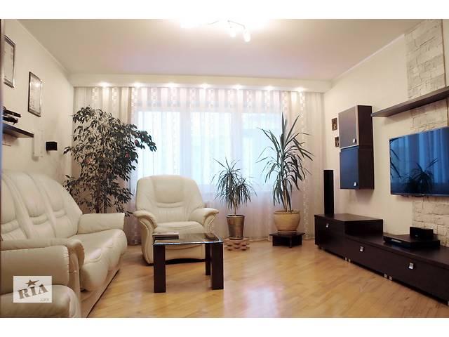 купить бу Просторная двухкомнатная новостройка с мебелью, полностью готовая к проживанию в престижном районе.