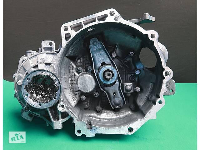 купить бу LUB Volkswagen Golf VI 1.6 TDI КПП Механічна Коробка передач в Львове