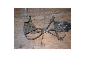 Механізм кріплення запасного колеса Форд Коннект