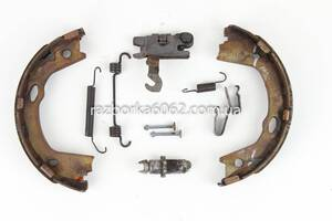 Механизм тормозной правый 09-12 Hyundai Sonata (YF) 09-14 USA (Соната)  582703Q100