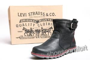 Нові чоловіче домашнє взуття Levis