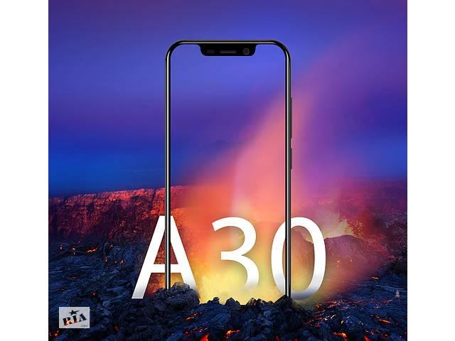 купить бу Оригинал ( не копия ) смартфон Blackview A30 Gold Black 2/16 гб Экран5.5 Android 8.1 в Кривом Роге