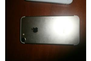 Мобильные телефоны, смартфоны Apple iPhone 7