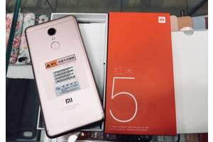 Нові Сенсорні мобільні телефони Xiaomi