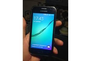 б/в Смартфони Samsung Samsung Galaxy J1 SM-J110H/DS