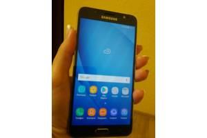 б/в Мобільні телефони, смартфони Samsung Samsung Galaxy J7
