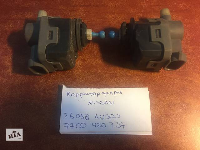 купить бу Моторчик корректора  Nissan 22056 au300  7700 420 737 в Одессе