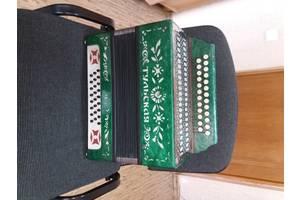 б/в Клавішні інструменти